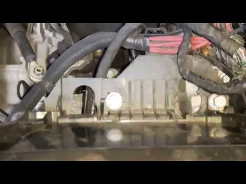 How to change your front bulbs on a 2010 Renault Clio