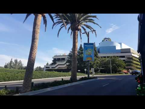 Shuttle bus to Universal Studios Los Angeles