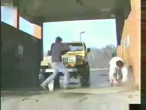 strange-day-at-the-car-wash