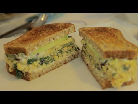 Eggstatic Breakfast Sandwich - Let's Cook with ModernMom