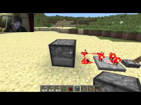 Redstone Comparator Repeating Circuit Tutorial [HD] [1080]