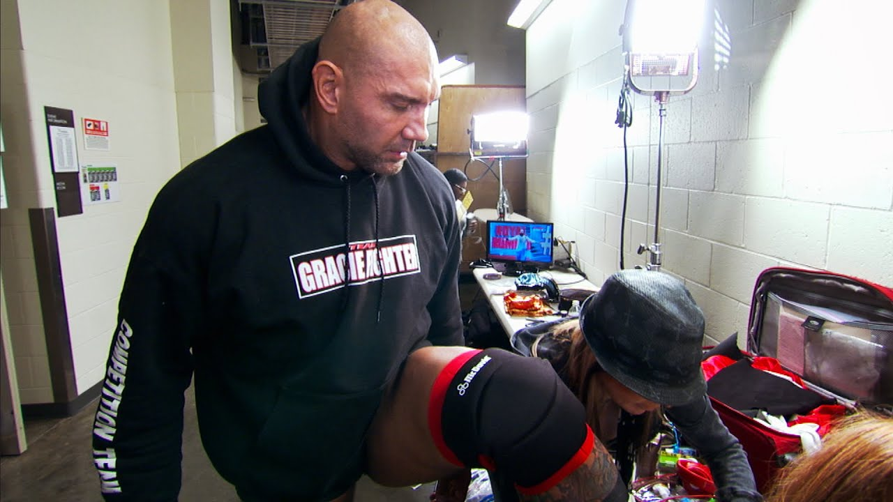 Batista suffers a wardrobe malfunction at Royal Rumble 2014: WWE The Day Of sneak peek