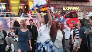 Yom Haatzmaut - Israel Independence Day Flash Mob  -- Time Square, NYC