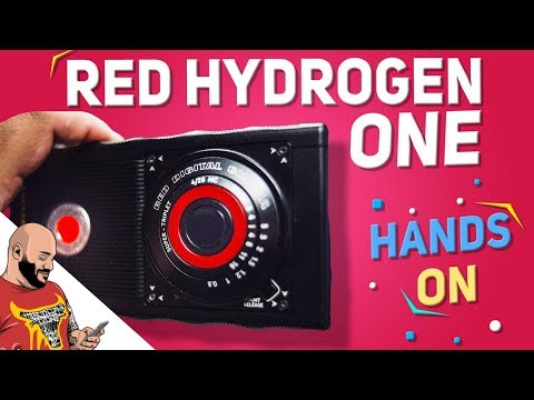 RED Hydrogen One Hands-On - A Holographic Smartphone!