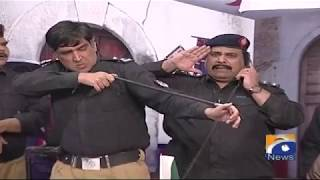 Shukar hai jaali police muqablon par bhi kisi ne awaz uthai. Khabarnaak