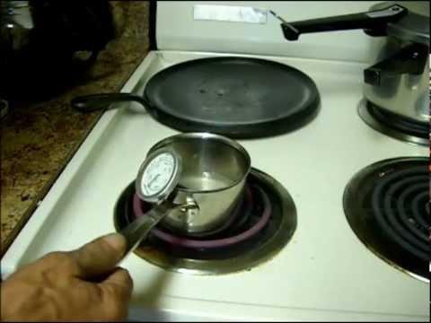Making Boiled Icing  Merengue