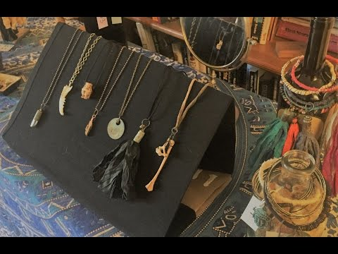 CHEAP & EASY Jewelry Display DIY For Necklaces and Tassels