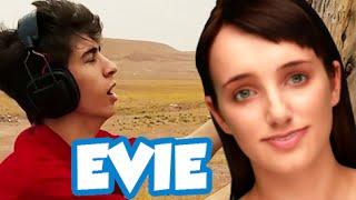 PERSO NEL DESERTO CON UN ROBOT!! - Cleverbot Evie