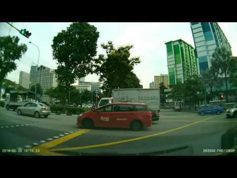 20160520 181028 Ophir Road Singapore Minor Traffic Accident- Whose Fault ?