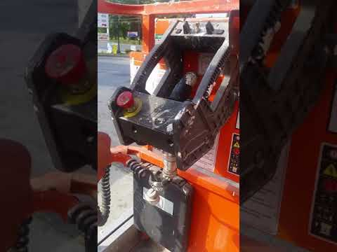 How to operate scissor lift