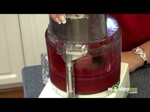 How to Make Raspberry Dessert Sauce
