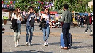 عربي يطلب من الأتراك أن يستضيفوه عندهم للإفطار لأنه صائم | تجربة إجتماعية