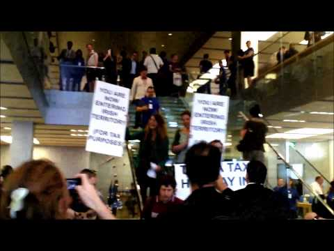 iDodge Tax:  Protest Flashmob, Apple Store, London