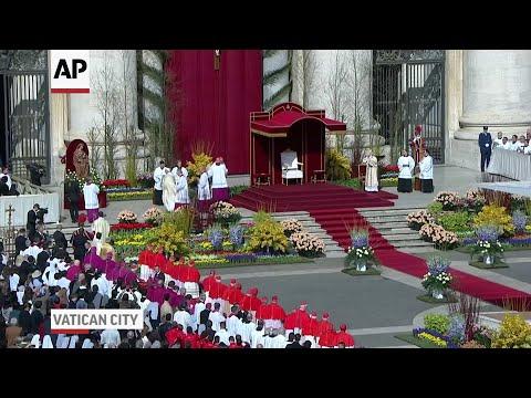 Pope Prays for Syria, Korea in Easter Mass