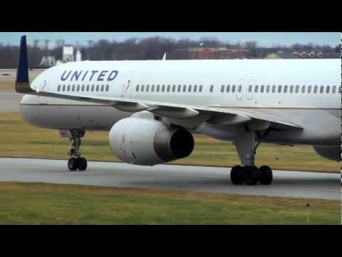 United 757-300 De-ice take off with Browns to play Ravens