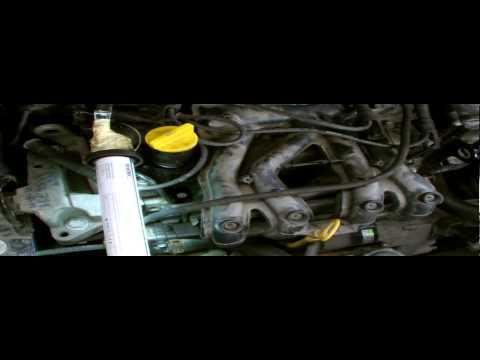 RENAULT CLIO SPARK PLUG REMOVAL,part2