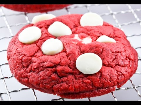 Pillsbury Red Velvet cookies with Cream Cheese Chips review