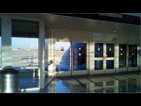 2012: Skylink Train at DFW (from C to A terminal)