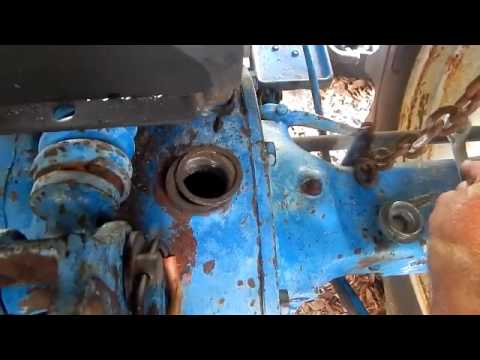 Ford 2000 Tractor Hydraulic Lift & Rear Axle Servicing