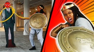 Wonder Woman Fans Compete In A Lassoing Challenge