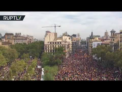 Central Barcelona in total gridlock as thousands rally after Catalonia referendum