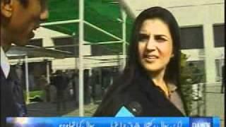 Kashmala Tariq exposed by a Dawn News reporter Azaz Syed, Rude Kashmala Tariq