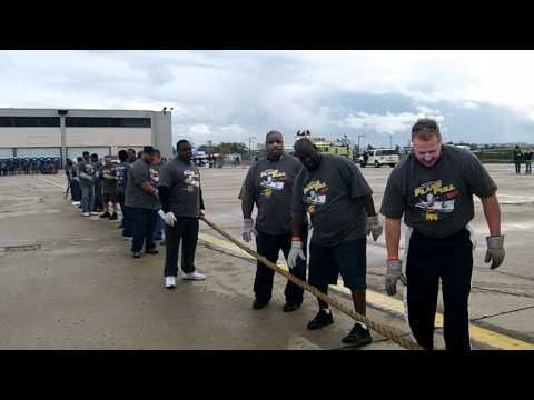 2011 Special Olympics Illinois Plane Pull - Snowbusters of CDA Vehicle Services.mov