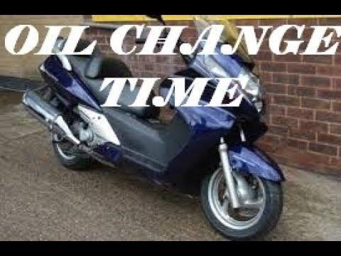 Engine oil change Honda  FJS 600 Silverwing