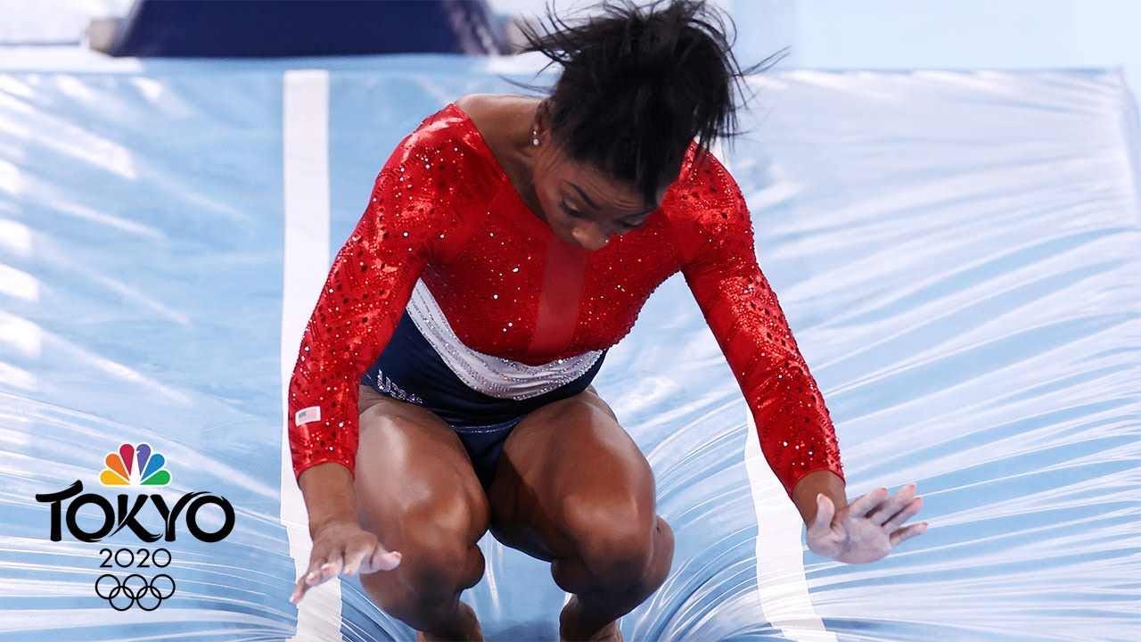 Simone Biles stumbles on vault before pulling out of team final | Tokyo Live | NBC Sports