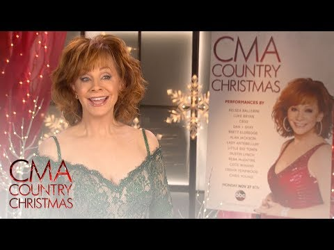 CMA Country Christmas Quiz: What's in a Fruitcake?  | CMA