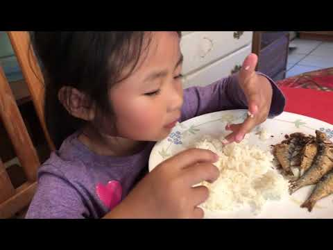 Chloe's eating Tuyo (Dry Fish) Kamatis (Tomato) Vlog3