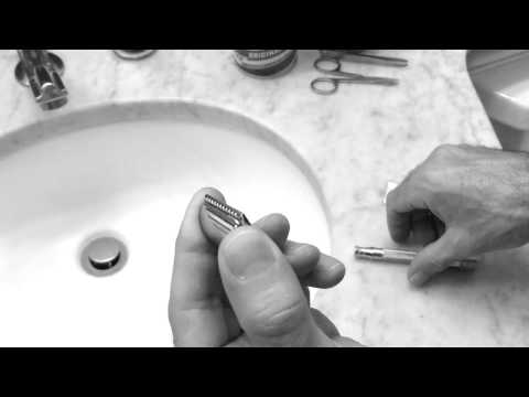 Changing the Safety Razor Blade