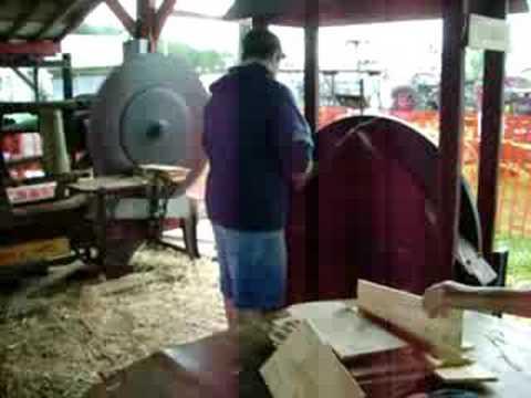 Making cedar shingles