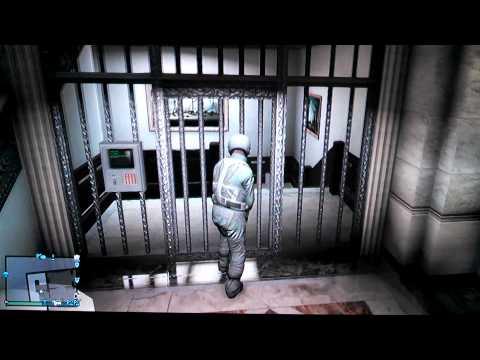 INSANE Bank Wall Breach Glitch!!  GTA 5!