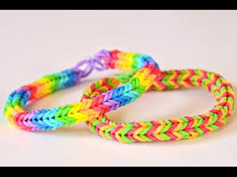 How to make a Fishtail Loom Band on fingers