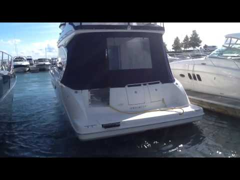 Docking twin Engine  Yacht  In 30 seconds