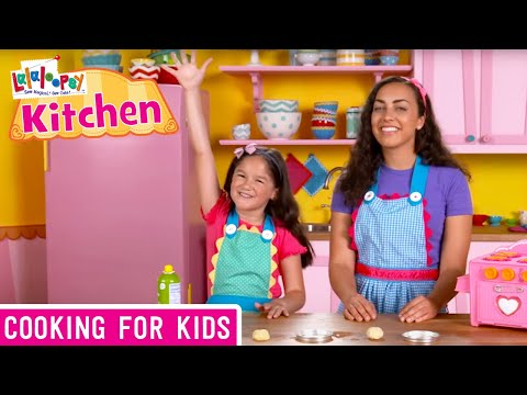 Lalaloopsy Kitchen: How to Make Lalaloopsy Pizza | We're Lalaloopsy | Now Streaming on Netflix!