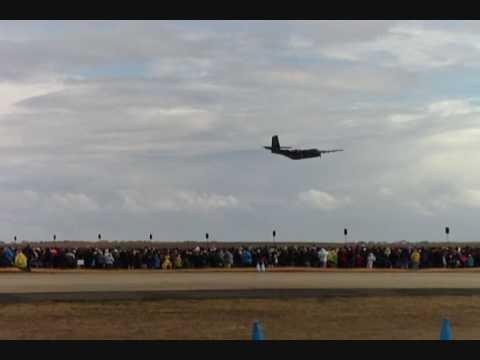 AVALON AIRSHOW 09 CARIBOU