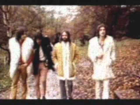 Apeman (full lenght live version, 1971)  The Kinks