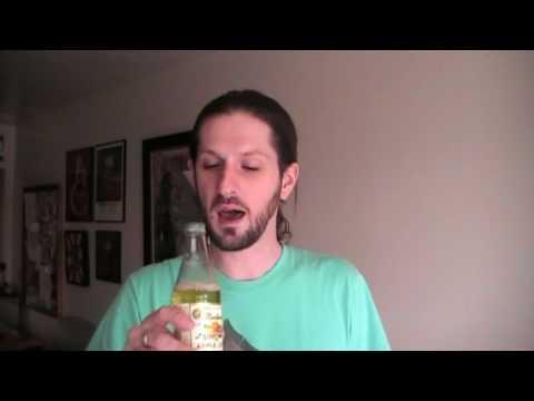sodagiant Episode 12: Martinelli's Sparkling Apple Juice Review
