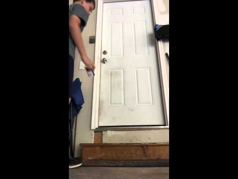 how to unlock a door with a credit card