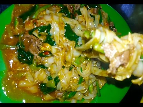 Asia Street Food - Fried Noodles With Eggs And Beef - Youtube