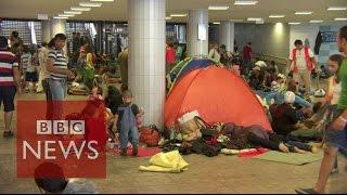Hungary: Migrants camp under Budapest station - BBC News