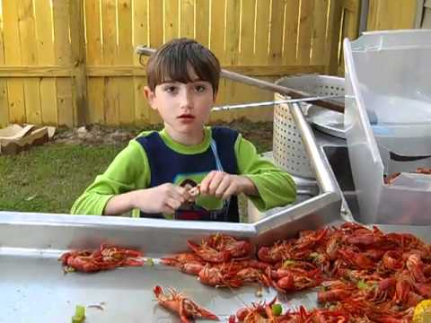 How to eat crawfish with Jacob