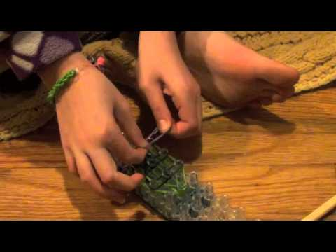 Kathleen's Tutorial's: How to make the Rainbow Loom Turtle Charm