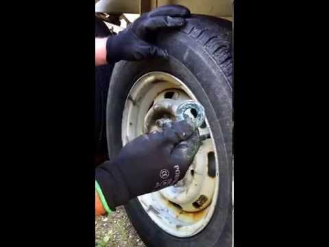 How to remove UK Knott trailer brake shoes