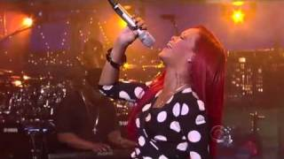 Download Rihanna - What´s My Name @ David Letterman Video