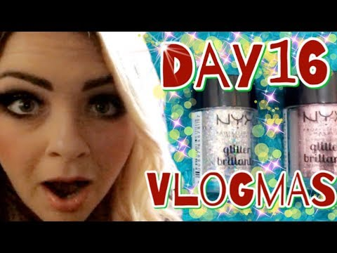 Vlogmas 2017 Day 16 - Chipped Nail Trick, Family Fun And Birtch St Christmas Lights!