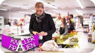 Platz sparend einkaufen - Knallerfrauen mit Martina Hill in SAT.1