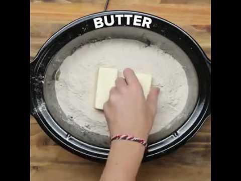 3-Ingredient Slow Cooker Apple Spice Cake